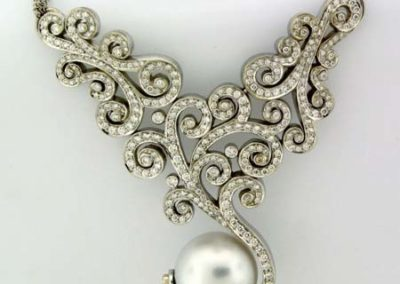diamond-necklace-with-pearl