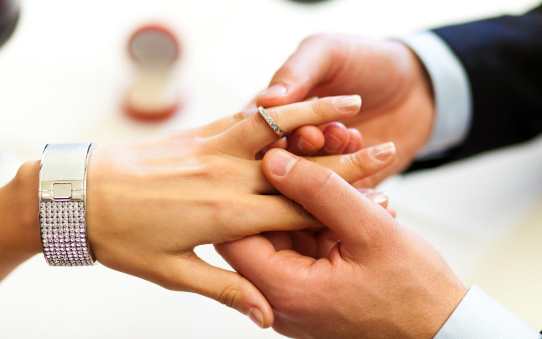 Engagement Or Promise Ring: What's the Difference?